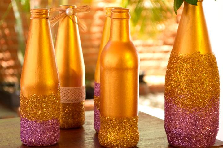 Decoração com garrafas de vidro glitter