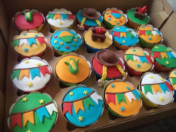 Decoraç u00e3o de festa junina faça a festa gastando pouco! # Decoração De Balões Festa Junina