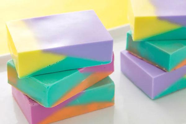 Sabonete colorido