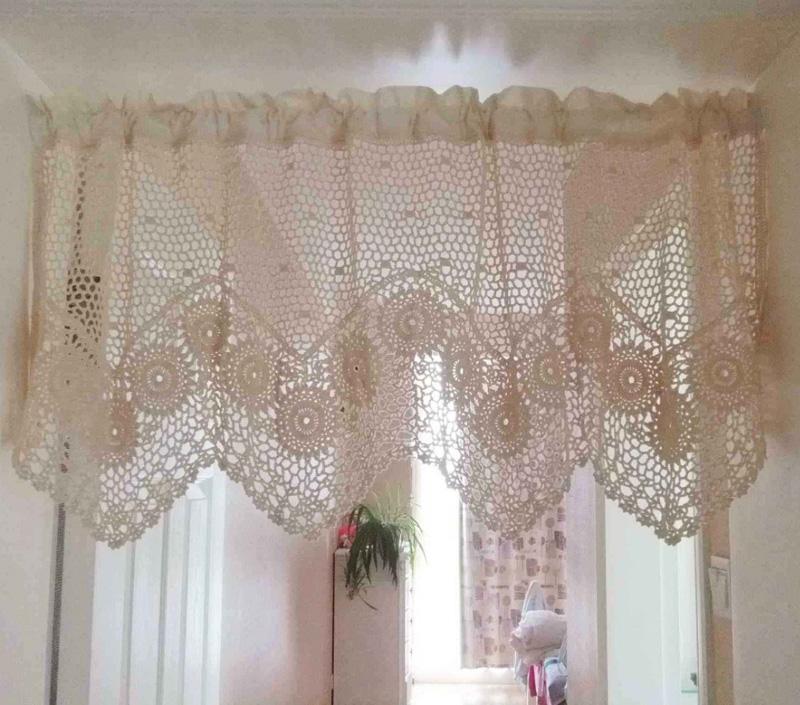 Decoração com cortina de crochê