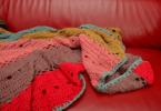 Decoração com colcha de crochê